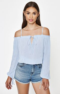 4a5e87982c7 Keyhole Off-The-Shoulder Top