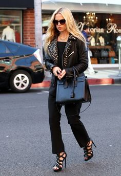 Celebrity stylist Rachel Zoe stops to see her dentist in Beverly Hills, Calfiornia on February 5, 2015. The busy mother of two was rocking her usual all black ensemble look during her visit.