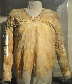 *EGYPT~World's oldest Dress came from ancient Egypt: The Tarkan dress is 5,000 years old ( it was found by Flindus Petrie in 1911-1913 in ruins of Tarkan). Petrie museum of Egyptian Archaeology.