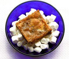 Recipe for Marshmallow Blondies - Two Peas & Their Pod Eat Dessert First, Dessert For Dinner, Dessert Bars, Butterscotch Blondies, Chocolate Chip Blondies, Appetizer Recipes, Dessert Recipes, Bar Recipes, Pumpkin Oatmeal Cookies