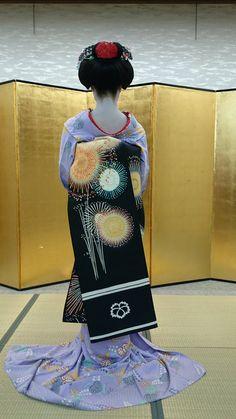 "geisha-kai: "" July 2016: 17-years old maiko Kohana wearing a firework-patterned obi belt by Arisu on Twitter """