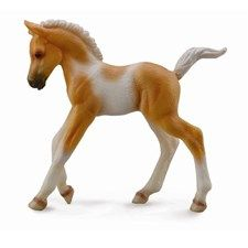 A pinto horse is genetically created when an allele for a spotting pattern is present. The genes that create the underlying base coat color are not related to the genes that create white spotting. CollectA horses are created by Deborah McDermott, a sculptor living in Southern California.  She grew up as a typical horse-crazy little girl wholoved horse models and drawing horses. She never dreamed that someday her equine sculptures would be used as the basis of a new model horse collection…