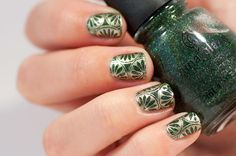 Green and gold stampicure #chinaglaze winter holly #moyou suki plate 04