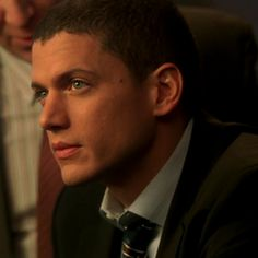 Michael Scofield icons © to on. Michael Scofield, Prison Break 2, Wentworth Miller Prison Break, Actor Model, Bad Boys, Role Models, Actors & Actresses, Tv Series, Hot Guys