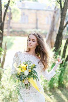 Frühlingsfrische Oster-Hochzeitsinspiration PATRICIA HAU VANESSA ESAU http://www.hochzeitswahn.de/inspirationsideen/fruehlingsfrische-oster-hochzeitsinspiration/ #bride #wedding #inspiration