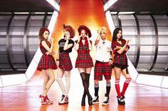 F(x) : Victoria, Amber, Luna, Sulli, and Krystal