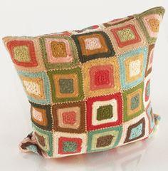 kinda love this old school crochet pillow cover