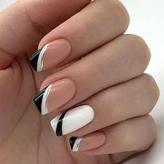20 Elegant Autumn Nail Designs Have To Try Nude White Black Stripe Square Nail. 20 Elegant Autumn Nail Designs Have To Try Nude White Black Stripe Square Nails Inspo Square Nail Designs, Fall Nail Art Designs, Elegant Nail Designs, French Manicure Nails, French Tip Nails, Nails French Design, Black French Nails, Nail Black, Nail Art Vernis