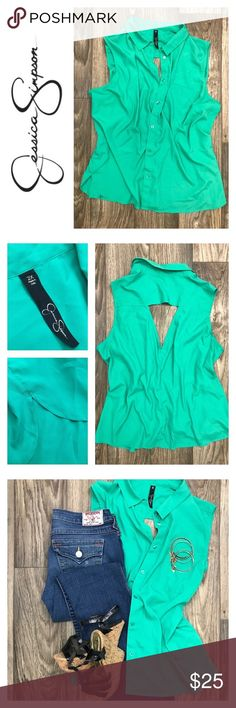 JESSICA SIMPSON Short Sleeve Button Up Top Sz XXL Beautiful JESSICA SIMPSON sleeveless button up top in a daring shade of green. What's better is the sexy open back detail that shows just enough! NWOT  LOVE THIS LOOK!? Get the shoes here!   https://poshmark.com/listing/REFRESH-Black-Strappy-Cork-Wedges-Sz-8-59b837523c6f9f7b0e00550b  *Please note this listing is for the top ONLY* Jessica Simpson Tops Button Down Shirts