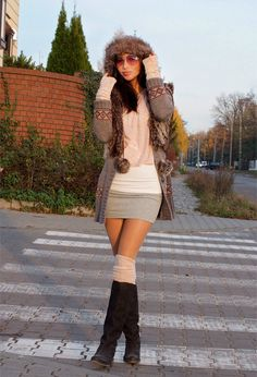 Discover and organize outfit ideas for your clothes. Decide your daily outfit with your wardrobe clothes, and discover the most inspiring personal style Winter Skirt Outfit, Fall Winter Outfits, Autumn Winter Fashion, Winter Style, Summer Outfits, Dress Winter, Autumn Casual, Winter Chic, Autumn Style