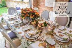 Simple Rustic Autumn Table Setting Ideas for Dinner Parties and Wedding Reception Inspiration Fall Wedding Arches, Fall Wedding Cakes, Wedding Reception, Reception Food, Reception Ideas, Seasonal Celebration, Thanksgiving Celebration, Table Setting Inspiration, Autumn Inspiration