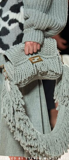 Fendi Fall 2020 : The complete Fendi Fall 2020 Ready-to-Wear fashion show now on Vogue Runway. Fashion 2020, Fashion Show, Knit Fashion, Fashion Bags, Fashion Accessories, Fashion Handbags, Lv Handbags, Designer Handbags, Fashion Fashion