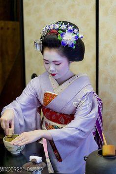 September kanzashi (worn by Umechie)