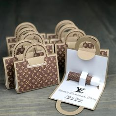 Diy Gift Box, Diy Gifts, Chanel Party, Eid Cards, Paper Purse, Diy Gift Baskets, Party Favor Bags, Favor Boxes, Party Items