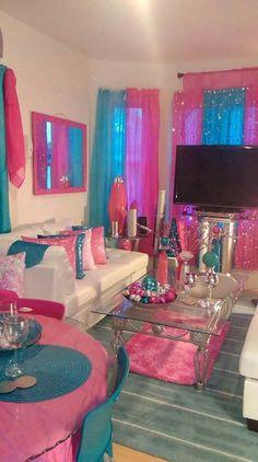 Cute Living Room, Living Room Orange, Living Room Styles, Glam Living Room, Decor Home Living Room, First Apartment Decorating, Apartment Bedroom Decor, Paris Room Decor, Bedroom Decor For Teen Girls