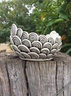 Stoneware Clay, Ceramic Clay, Ceramic Vase, Ceramic Pottery, Diy Cement Planters, Clay Pinch Pots, Rim, Coil Pots, Hand Built Pottery