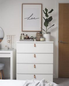 Newest Free of Charge bedroom dresser malm Strategies Like many homeowners, you almost certainly decided not to create your own home yourself. And including lots pe. Simple Bedroom Decor, Room Ideas Bedroom, Small Room Bedroom, Home Decor Bedroom, Ikea Bedroom, Aesthetic Room Decor, Emoji, Ikea Malm Dresser, Ikea Interior