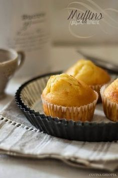 muffins con yogurt e scorza di limone Yogurt, Cupcake Recipes, Cupcake Cakes, Muffins, Cheesecake, American Cake, Just Cooking, Mini Desserts, Easter Desserts