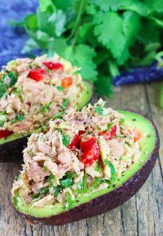 Aguacate saludable relleno de atún | 21 Almuerzos altos en proteínas de menos de 500 calorías