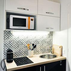 Studio | Paris | ~200 sq ft | La cuisine parfaitement équipée du studio-duplex de 19m2