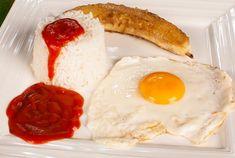 Receta de arroz a la cubana Arroz Frito, Eggs, Cheese, Breakfast, Food, Gastronomia, Tomato Sauce, Recipes With Rice, Dishes