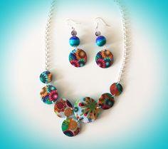 Parure collier et boucles d'oreilles multicolore : Parure par sofymo