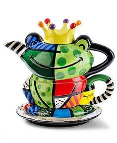 Frog  #teapot- Romero Britto This would be perfect for making hot chocolate for a Grandchild,