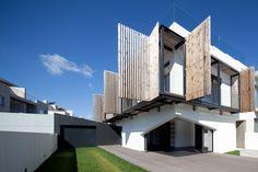 Casa em Miramar / e|348 Arquitectura