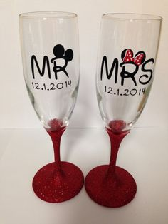Mr & Mrs Mickey and Minnie Champagne Glasses ***Customize with your own Wedding Date*** Glitter