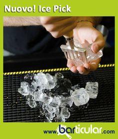 """L'ice pick è uno strumento da bartender per la lavorazione del ghiaccio composto da un manico in legno e da una """"rastrelliera"""" dentata a sei punte in acciaio. Si adopera sia come punteruolo per dividere e staccare blocchi di ghiaccio congelati in pezzi più piccoli, sia come raschietto per scavare e modellare il ghiaccio. http://www.barticular.com/store/ice-pick-punteruolo-ghiaccio"""