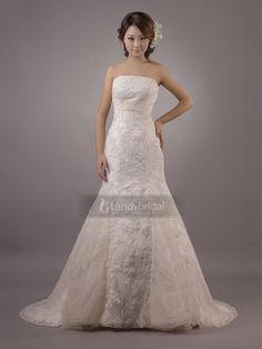 ランディブライダル ウェディングドレス 軽やかで愛らしい素材感でふんわりデザインがスタイルよく愛らしさを引き立てて H5lbld0366