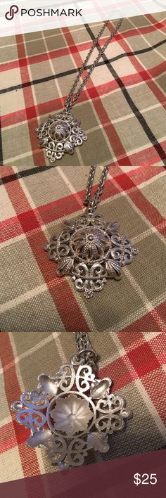 Crown trifari necklace with pendant 16 inch change. Great vintage piece. Jewelry Necklaces