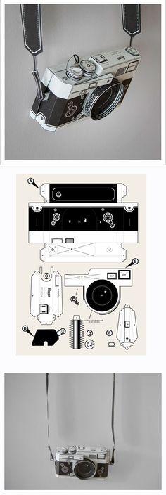 paper toy DIY paper Leica camera by Matthew Nicholson PDF Pinhole Camera, Leica Camera, Paper Camera, Instruções Origami, Papier Diy, Paper Toys, 3d Paper, Paper Cards, Kirigami
