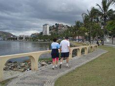 Avenida Beira Mar atualmente conta com local para tráfego de carro e calçadão para caminhada