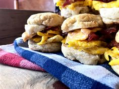 Happy Wednesday! I've got your new favorite breakfast biscuit recipe here for ya today! A few things: Bacon Biscuits Loaded with protein Healthy-ish Make Ahead/Freezer Friendly Okay, y'all. It's NO secret that I love breakfast sandwiches, perfereably the kind with bacon, egg, and cheese on them. I also really love …