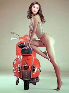 transpress nz: Vespa girls 1