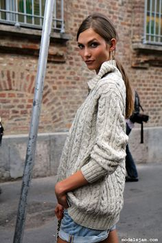 karlie kloss can make anything look great, but this sweater is fantastic all on its own already :)