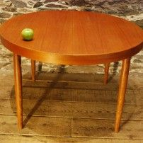 Danish Mid Century Modern Round Teak Dining Table w/Two Leaves
