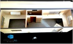 Maqueta a escala de nuestra oficina 8x32 pies