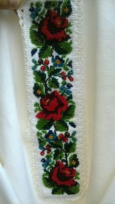 Afghan Dresses, Embroidery Fashion, Arm Knitting, Flower Bracelet, Knitted Blankets, Diy Necklace, Embroidery Designs, Diy And Crafts, Cross Stitch