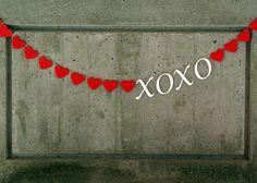 My Craft Evolution: Hugs and Kisses Valentine Garland