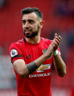 Solskjaer hails star man Fernandes as Manchester United see off Watford Manchester United Old Trafford, Manchester United Wallpaper, Manchester United Players, Best Football Players, Soccer Players, Man Utd Fc, Man Of The Match, Soccer Girl Problems, Soccer Quotes