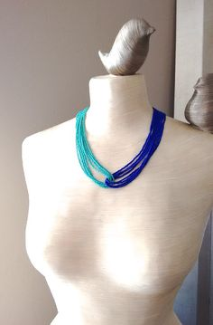 2ab6231aadbf Collier en turquoise et bleu royal bleu par StephanieMartinCo Collier,  Collier De Sarcelle, Collier