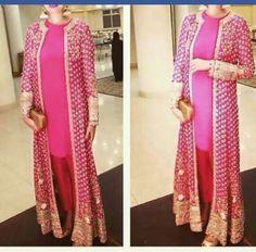 Love the design Party Wear Indian Dresses, Pakistani Formal Dresses, Pakistani Wedding Outfits, Indian Fashion Dresses, Pakistani Dress Design, Indian Designer Outfits, Designer Dresses, Party Dresses, Unique Dresses