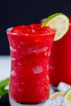 Summer Drinks : Strawberry Lime Slush - Fruit slushies are the perfect summer drink. Made with real fruit these are easy to make at home and you'll be sipping this icee drink in minutes. Strawberry Slushie, Fruit Slush, Fruit Drinks, Smoothie Drinks, Healthy Drinks, Healthy Snacks, Healthy Recipes, Beverages, Protein Smoothies