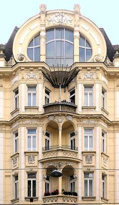 Wien - Porzellangasse 09 b | 1911 Architect: Hugo Mandeltort… | Flickr