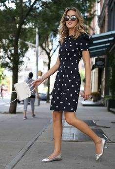 Navy and white polka dot dress with shoulder detail and cinched waist + silver flats, white tote, and wavy hairstyle {Banana Republic + Furla} (Fitness Femme Outfit) Business Casual Attire For Women, Summer Business Outfits, Summer Work Outfits, Professional Attire, Office Outfits, Office Attire, Simple Office Outfit, Church Outfits, Business Professional
