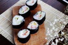 Domowe sushi Mini Cupcakes, Rolls, Desserts, Recipes, Pizza, Food, Diy Dog, Tailgate Desserts, Deserts