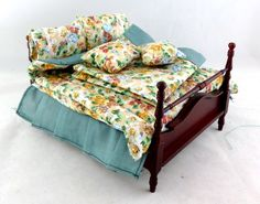 Dolls House Miniature Bedroom Furniture Mahogany 4 Poster Double Bed & Bedding #Unbranded