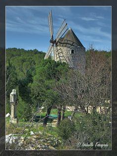 Les Pennes Mirabeau... Site - http://mistoulinetmistouline.eklablog.com Page Facebook - https://www.facebook.com/pages/Mistoulin-et-Mistouline-en-Provence/384825751531072?ref=hl